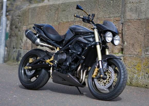 une street triple full carbone forum moto run 100 motards m canique equipement gp photos. Black Bedroom Furniture Sets. Home Design Ideas