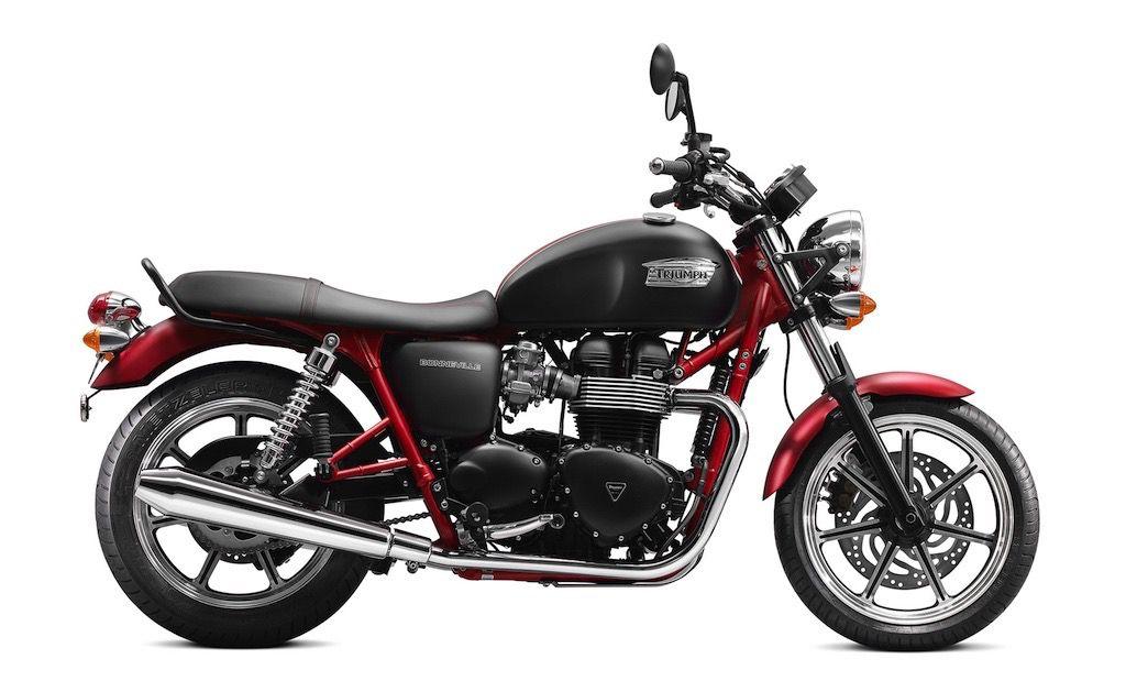 2013-Triumph-Bonneville-SE1