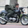 tom_cruise_thruxton_01